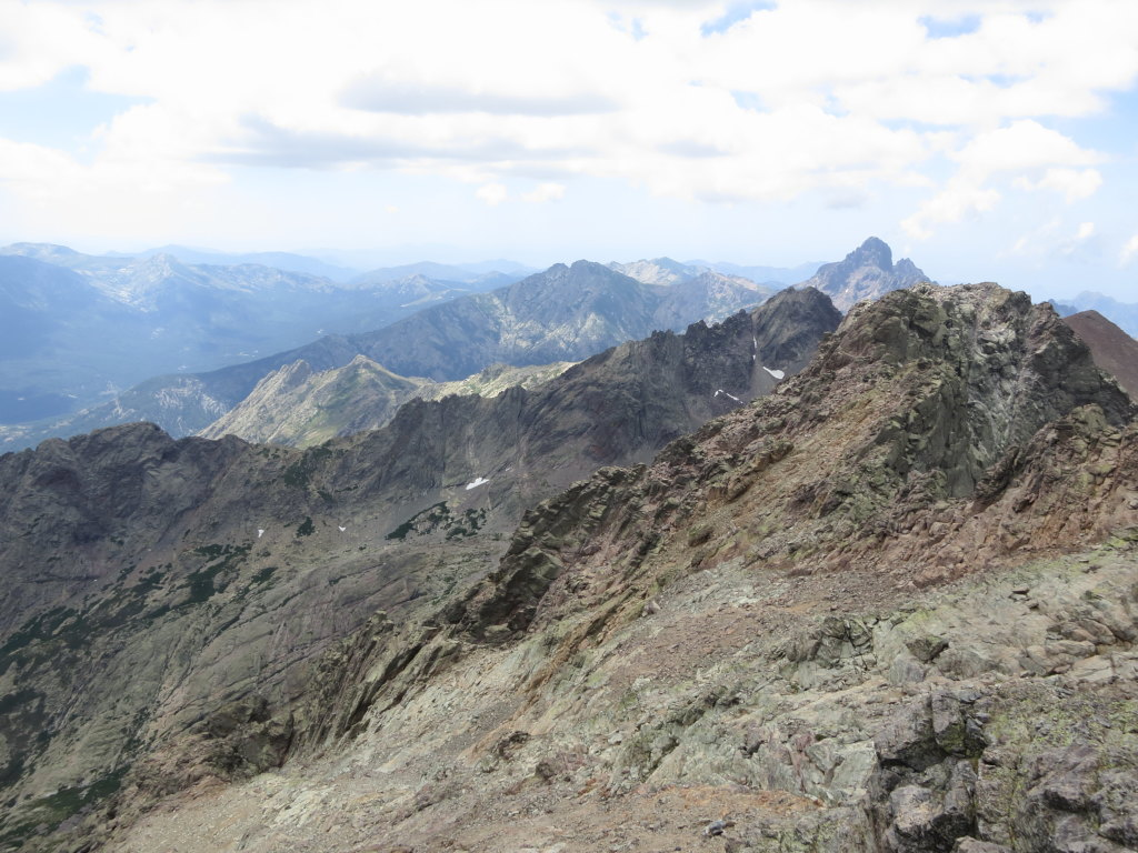 Wiew along the jagged Corsican mountains, seen southwards from the summit of Monte Cinto.