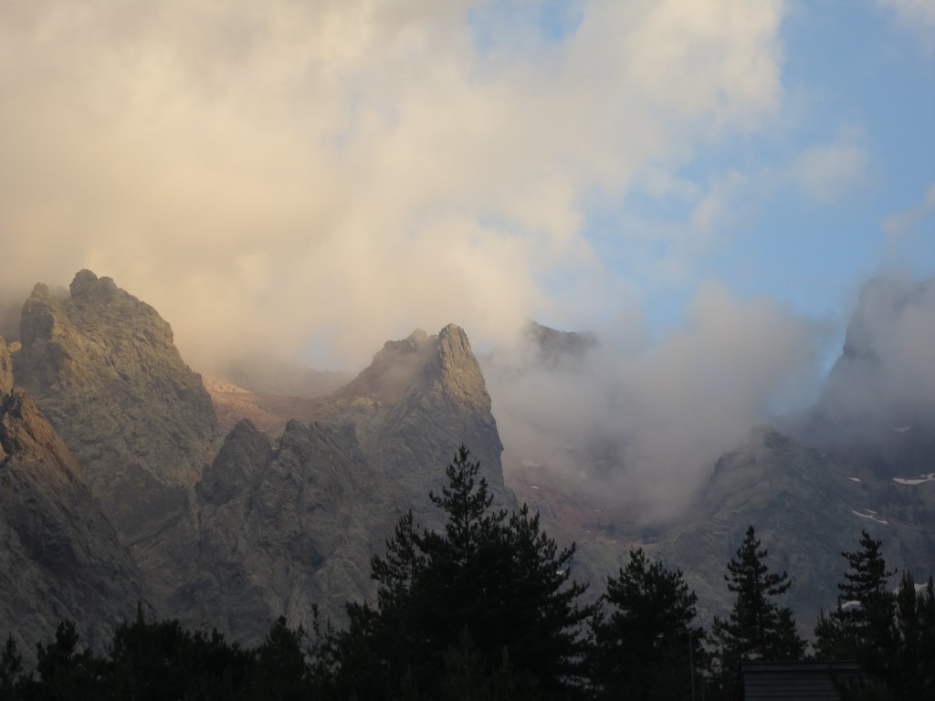Clouds falling on Monte Cinto, after we had returned from the big expedition.