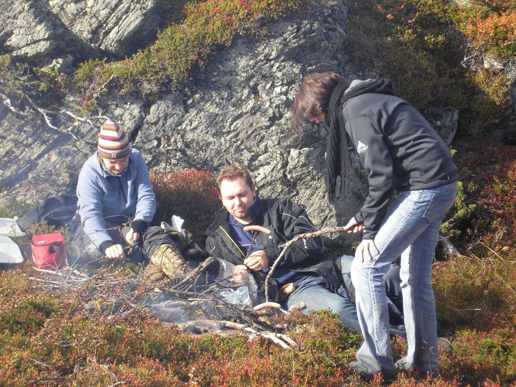 Fig. 6: Lunch break in the field with student´s group during geological mapping.