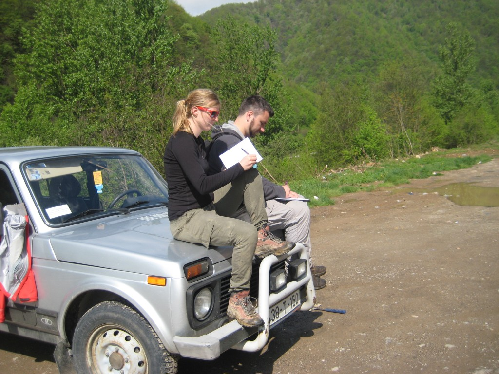 Car geology on top of the Lada Niva 4x4.